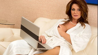 Deauxma in 'The Squirting Specialist'