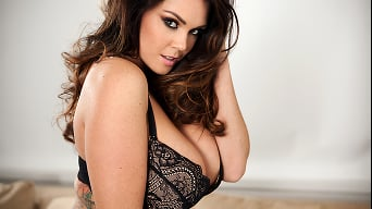 Alison Tyler in 'The ZZ Special'
