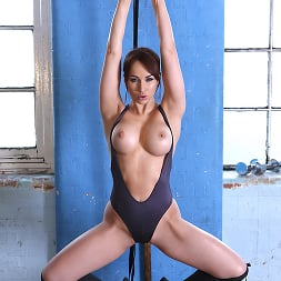 Aleska Diamond in 'Brazzers' Personal Pussy Trainer (Thumbnail 6)