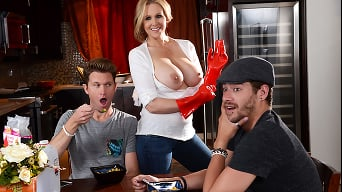 Julia Ann in 'Happy Milfs Day'