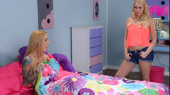 Sarah Jessie in 'Fucking Her Past Self'