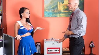 Raven Bay in 'Prom Whore Wars - Part One'