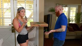 Jenna Ashley in 'Slip In That Big Tip'