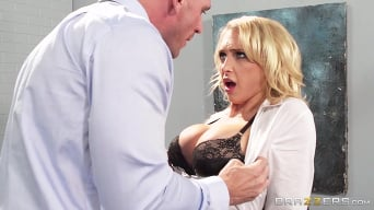 Alix Lynx in 'Boss Lady'