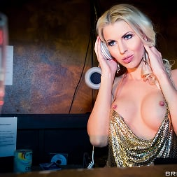 Lynna Nilsson in 'Brazzers' Pulse- Part Two (Thumbnail 2)