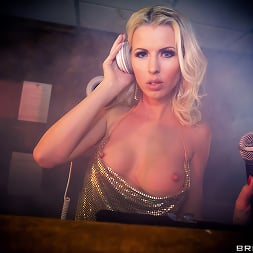 Lynna Nilsson in 'Brazzers' Pulse- Part Two (Thumbnail 6)