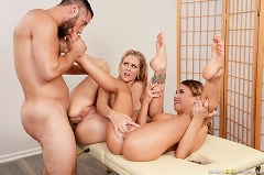 Julia Ann - Sharing A Massage (Thumb 10)