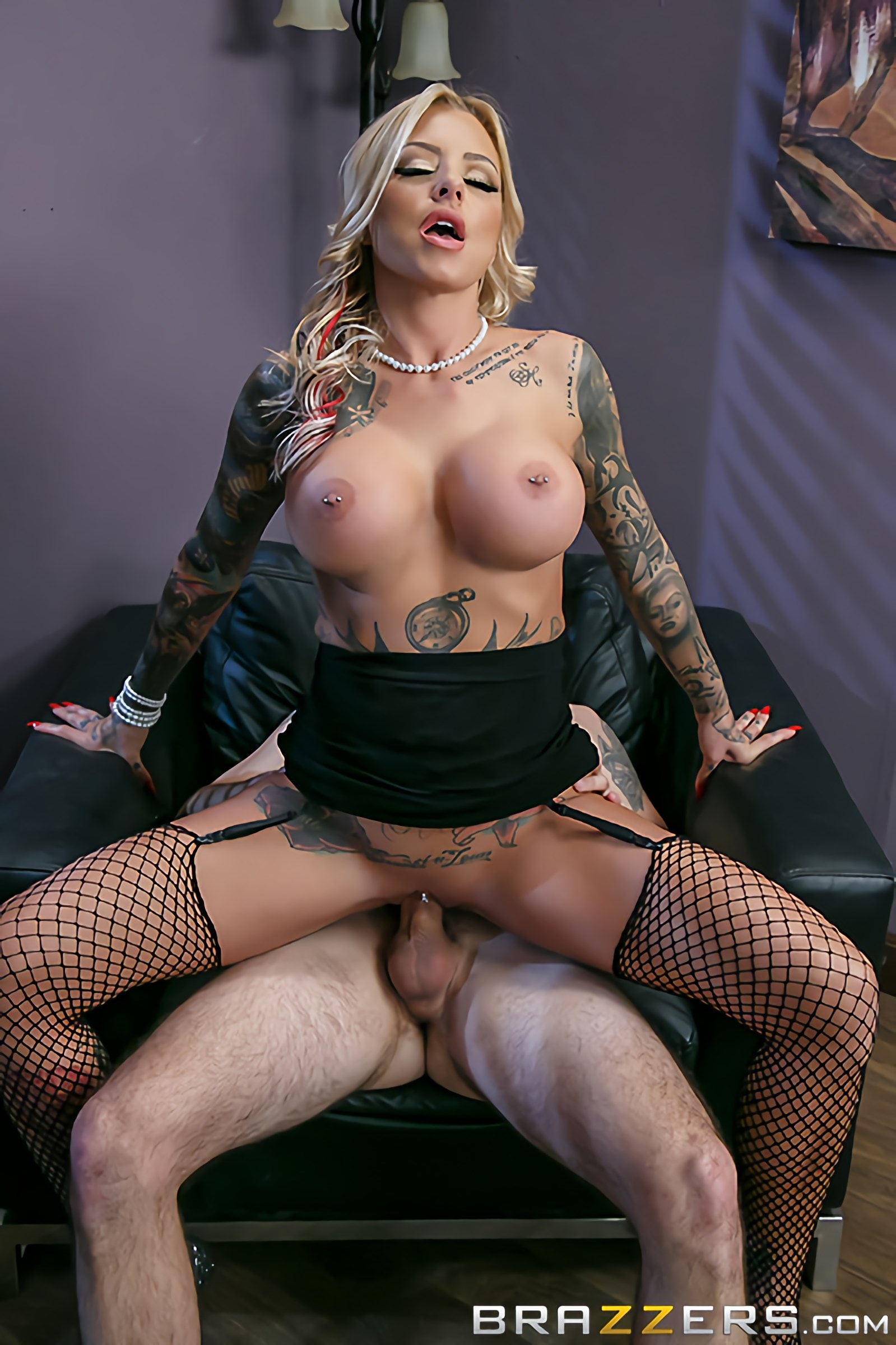 Brazzers 'The Head Mistress' starring Britney Shannon (Photo 5)