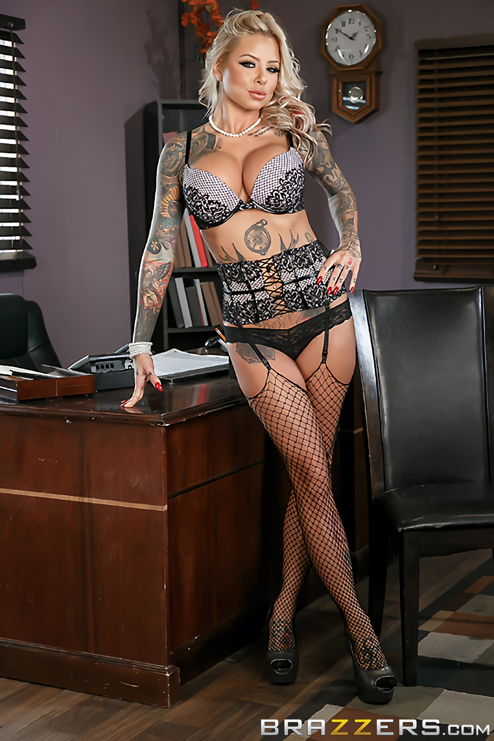 Brazzers 'The Head Mistress' starring Britney Shannon (Photo 6)