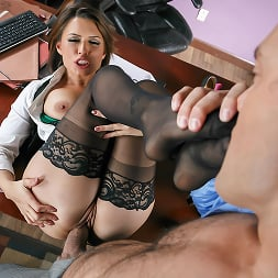 Eva Angelina in 'Brazzers' Camera Cums In Handy (Thumbnail 3)