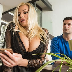 Michelle Thorne in 'Brazzers' Fucking The Invisible Man (Thumbnail 1)