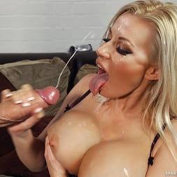 Michelle Thorne in 'Brazzers' Fucking The Invisible Man (Thumbnail 5)